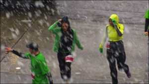 120317_snow_runners_660